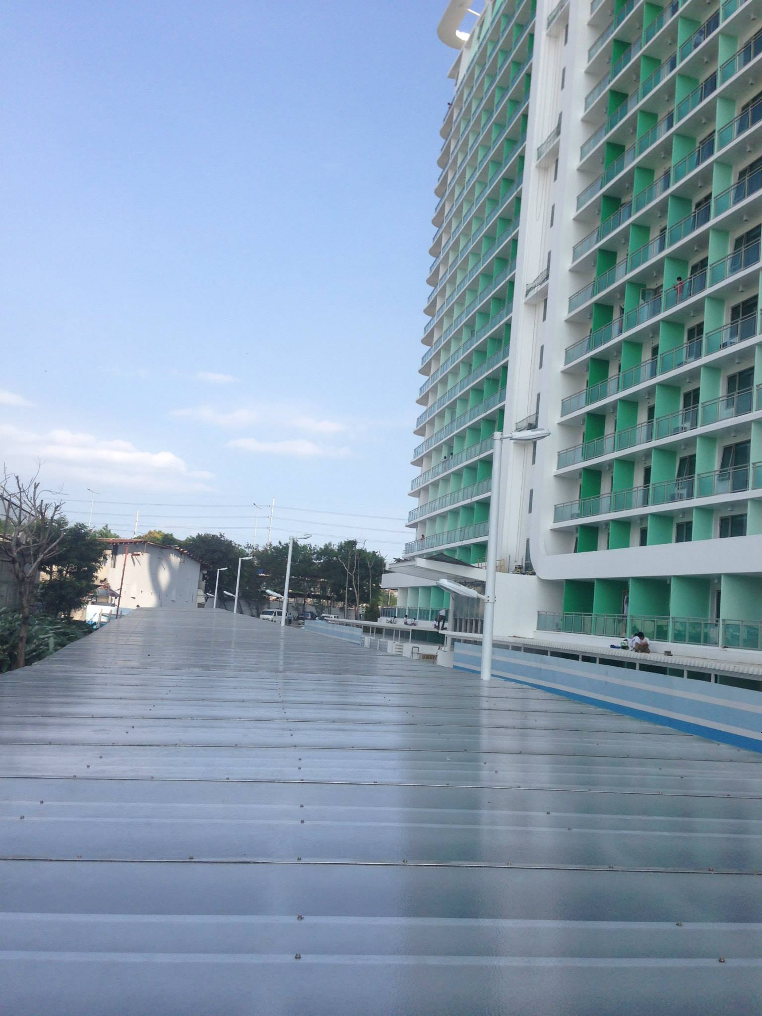 polycarbonate-solid-sheet-philippines-condo-roofing-design-installation-6
